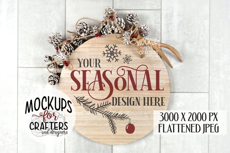 ROUND WOOD SIGN - Christmas, Winter, Pines Cones, Mock-up