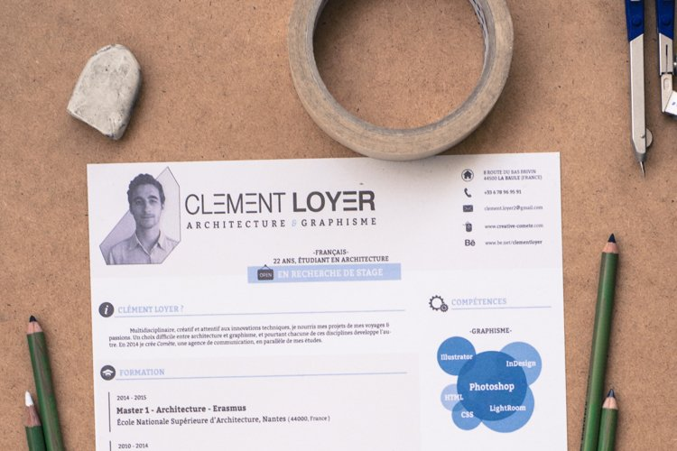 Graphic Blue Resume