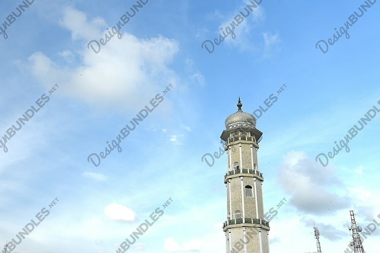 the towers of the Baiturrahman Grand Mosque
