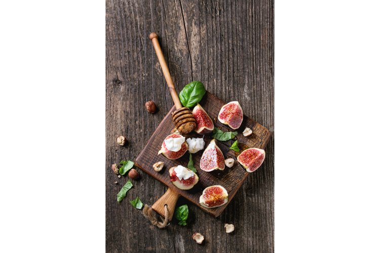 Figs with ricotta and honey example image 1